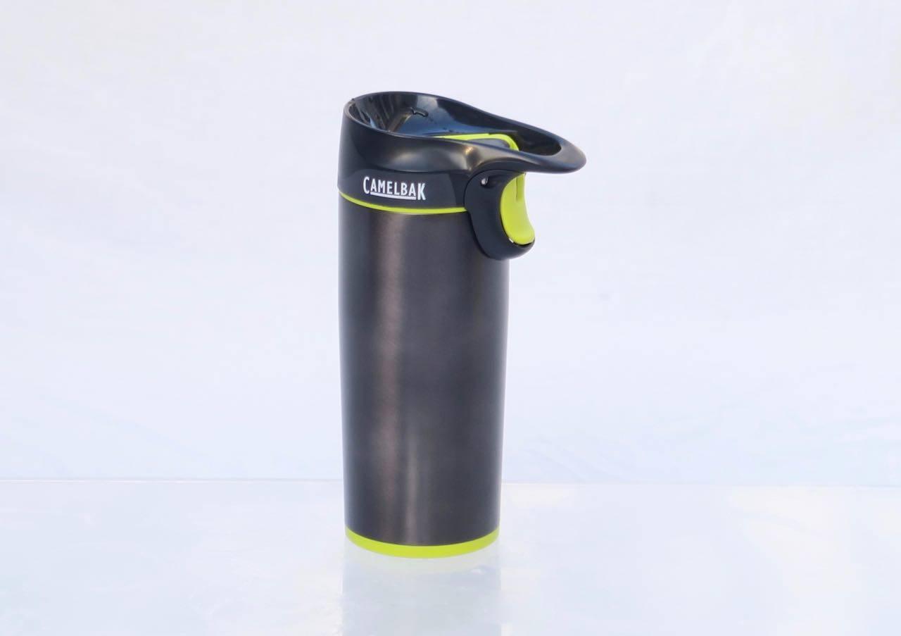 Med pistolgrep: Camelbak Forge har pistolgrep for enhåndsdrikking og integrert opphengsring.