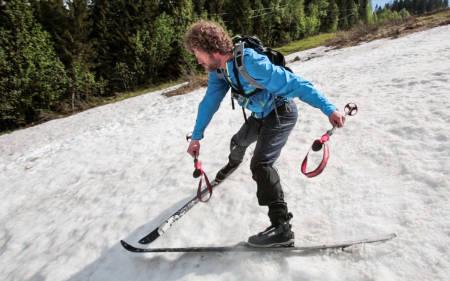 PLOGSTART: Vi tar det steg for steg, sving for sving. I Fjellskiskolen kan du lære deg god skiteknikk for lange turer i fjellet. Foto: Christian Nerdrum
