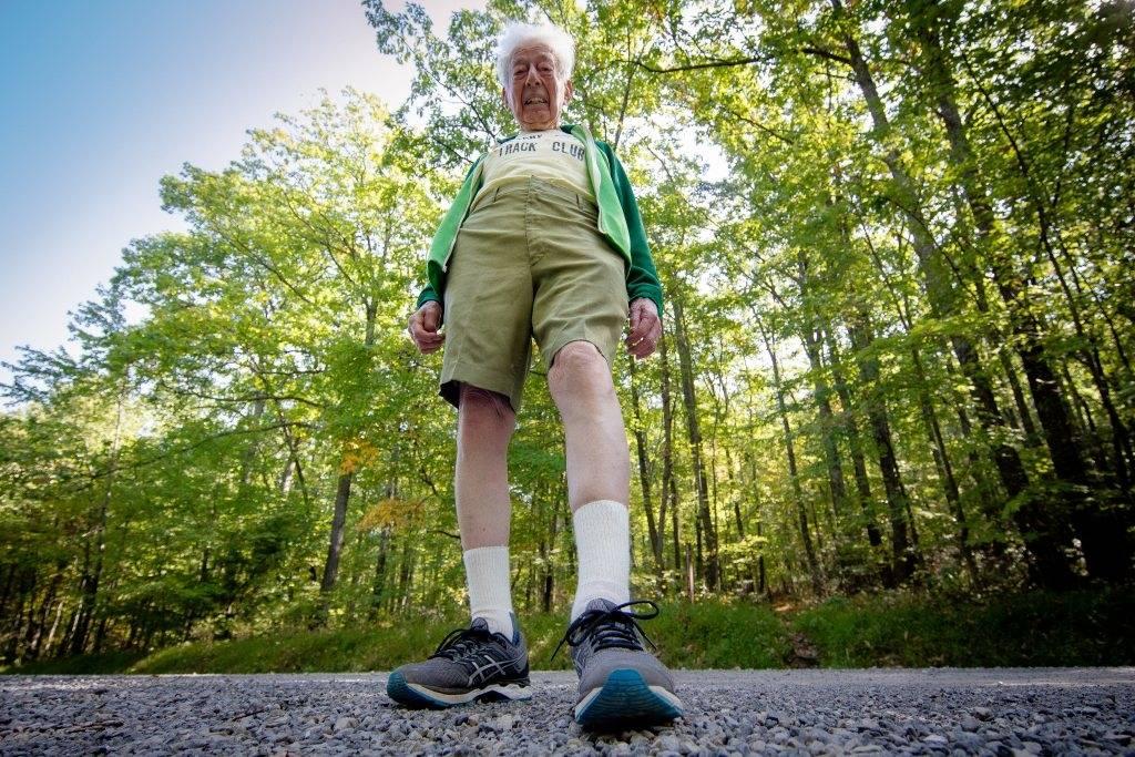 FOR THE LOVE OF MARY: George Etzweiler nærmer seg 100, og har mye å løpe for. Foto: Simon Perkins