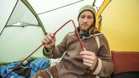 DENNE KAN DU FIKSE: Ingen grunn til å deppe over en knekt teltstang når du vet hvordan den kan repareres!