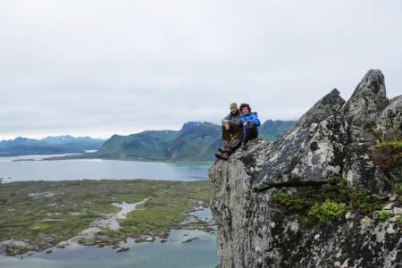 Friluftsliv: Markus og Inge Wegge er fostret opp på frisk luft. Her er alle episodene av På naturens premisser samlet, så UTE-leseren får en grundig innføring i det i har erfart.