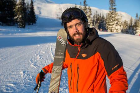 NYTTÅRSFORSETT: Bli bedre på ski. Tiden nå før topptursesongen starter for fullt er fin å bruke til å terpe litt på teknikken. Foto: Christian Nerdrum