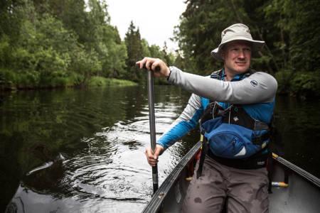 GOD PLASS: En av de store fordelene med å dra på tur med kanoen er plassen. En skikkelig stekepanne kan du ta med, uten problemer. Foto: Christian Nerdrum