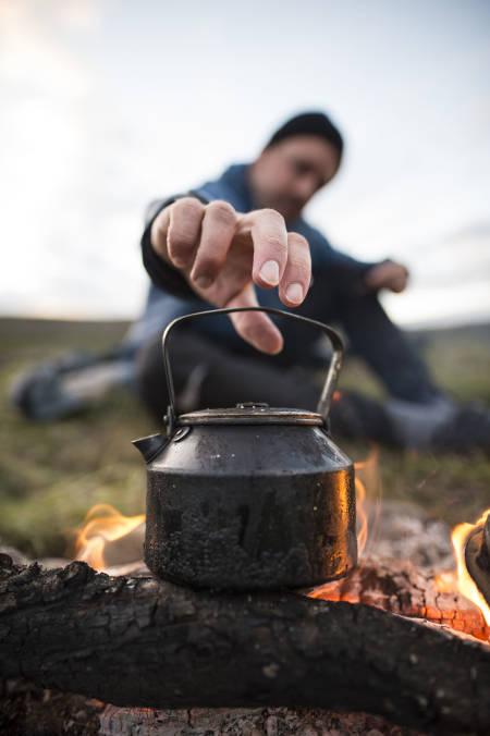 Kaffe på bål i fjellet