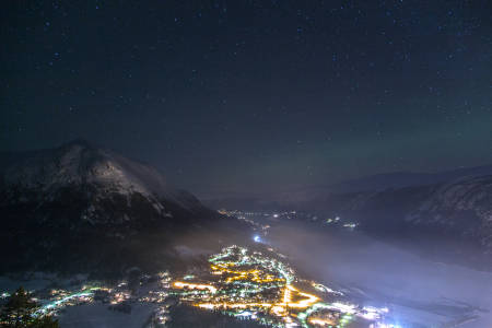 SOVE UTE: Den friske, kalde lufta trenger man ikke dra langt innover fjellet for å finne vinterstid. Foto: Live Andrea Sulheim
