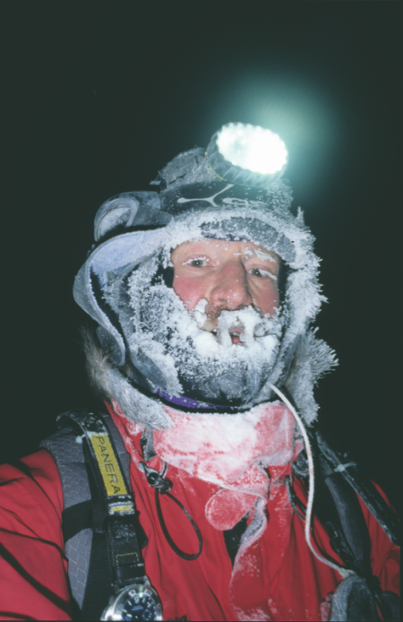 Børge Ousland har vært ute en vinternatt før. Foto: Børge Ousland