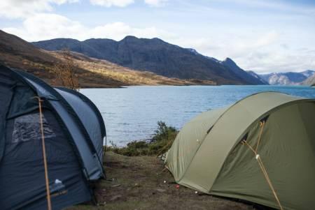 Følger du anbefalingene? Om teltet virker aldri så tørt når du er ferdig med turen, bør du likevel alltid henge det til tørk etter tur! Foto: Marte Stensland Jørgensen