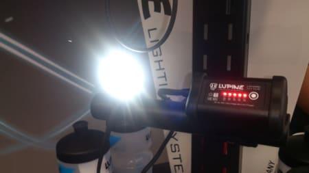 Tyske Lupine er førstevalget for kresne syklister som skal lyse opp stien. De siste årene har konkurransen blitt svært hard, men nå slår de tilbake med mer lysstyrke på alle modellene, deriblant Wilma.