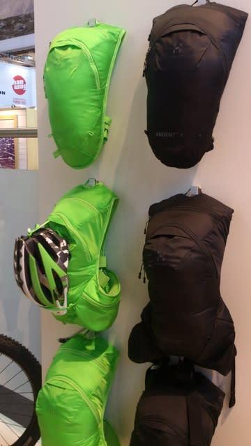 Minimalistiske sykkelsekker fra Haglöfs.