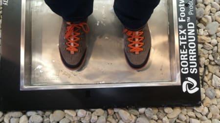 UTE testet at Vikings-skoene med Goretex under virkelig var vanntette. Joda, sokkene var like tørre etter et besøk i vannbadet!