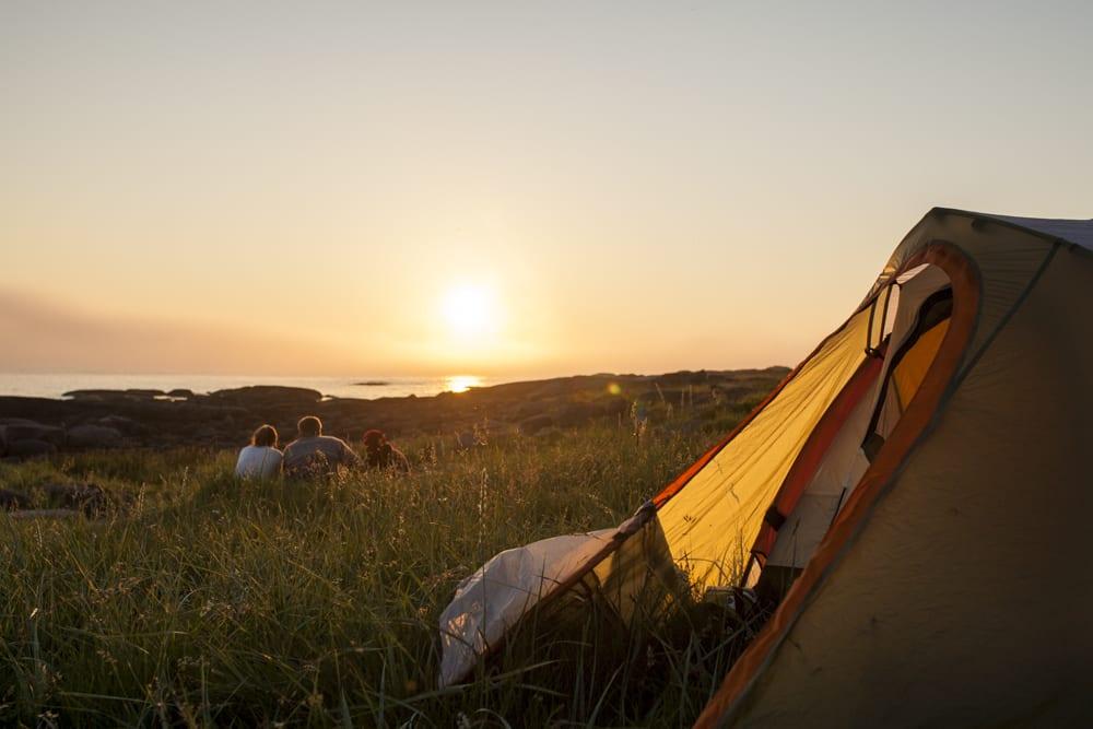 SOMMERFERIE: Om sommeren er det lov til å ta seg god tid, og spesielt god tid til kos. Noen ganger kan utstyret gjøre opplevelsen hakket bedre. Foto: Marte Stensland Jørgensen
